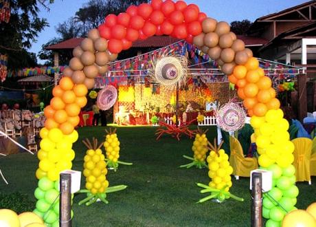 Decoração De Festa Junina Com Balõesbexigas Balões Personalizados