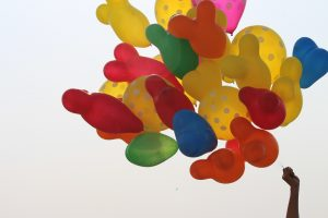 balões-personalizados-festa-ao-ar-livre