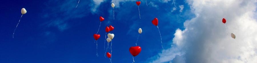 Como usar balões personalizados na decoração de casamentos